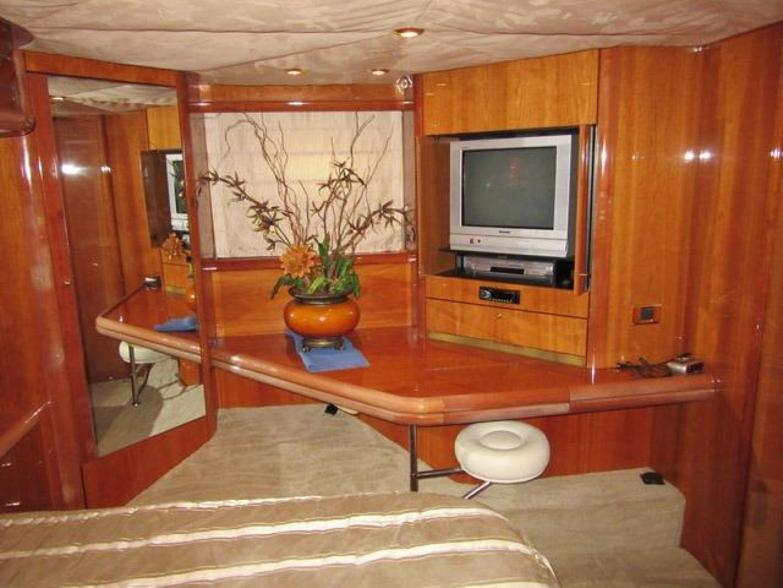 Sunseeker-Manhattan 64 2003-Dealership Fort Lauderdale-Florida-United States-Master Vanity & TV to Port-375989 | Thumbnail