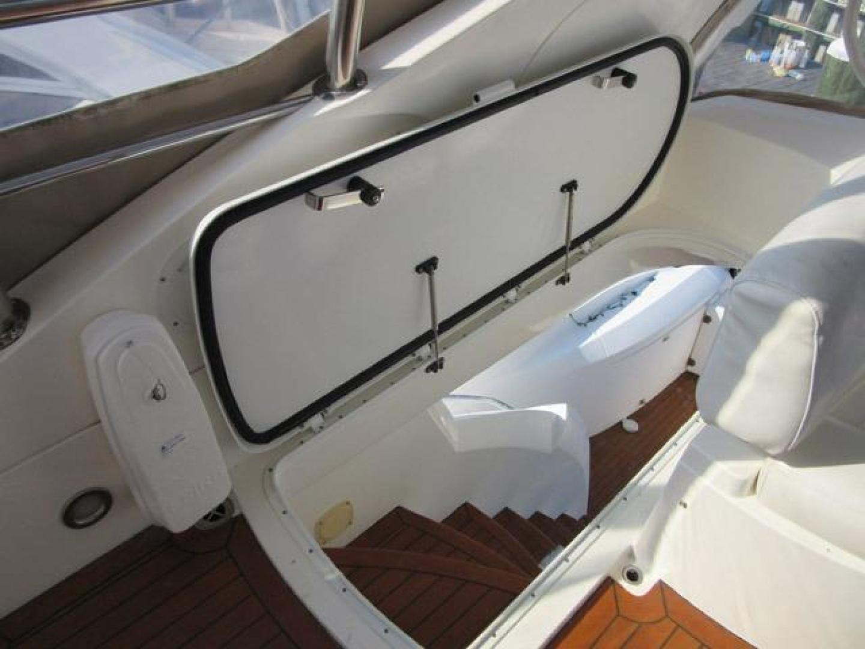 Sunseeker-Manhattan 64 2003-Dealership Fort Lauderdale-Florida-United States-F/B Stair Hatch-376011 | Thumbnail