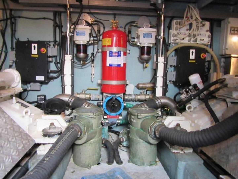 Sunseeker-Manhattan 64 2003-Dealership Fort Lauderdale-Florida-United States-Engine Room-376024 | Thumbnail