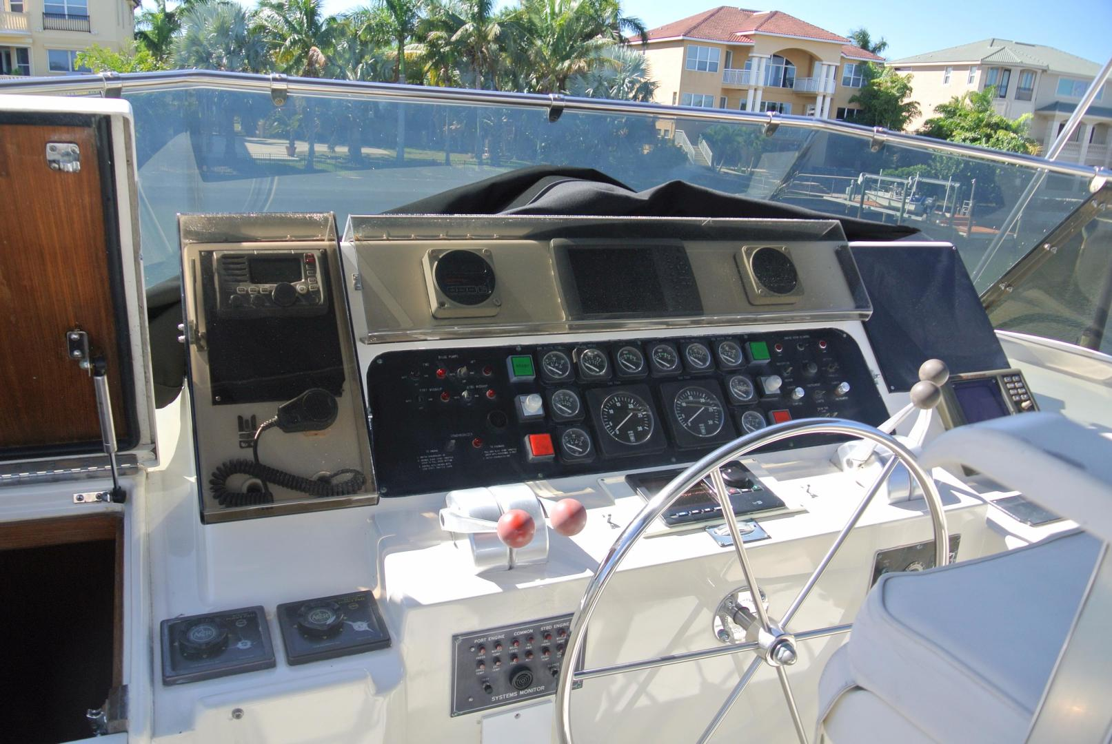 Hatteras-67 Cockpit Motor Yacht 1988-Lady Encore Saint Petersburg-Florida-United States-Upper Helm-926183 | Thumbnail
