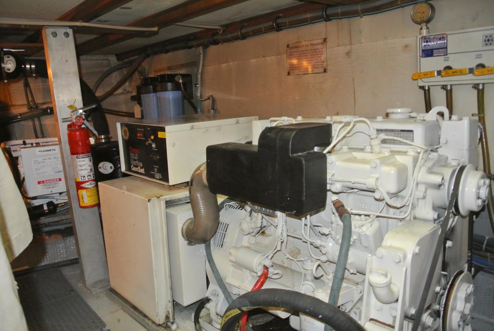 Hatteras-67-Cockpit-Motor-Yacht-1988-Lady-Encore-Saint-Petersburg-Florida-United-States-Generator-926210