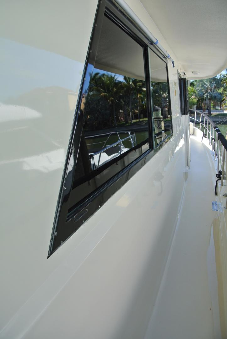 Hatteras-67 Cockpit Motor Yacht 1988-Lady Encore Saint Petersburg-Florida-United States-Side Decks-926177 | Thumbnail