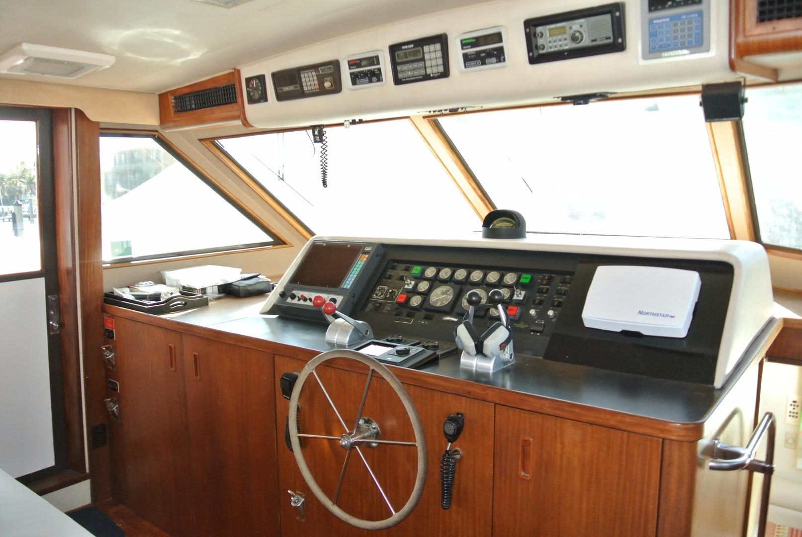 Hatteras-67 Cockpit Motor Yacht 1988-Lady Encore Saint Petersburg-Florida-United States-Lower Helm-926192 | Thumbnail