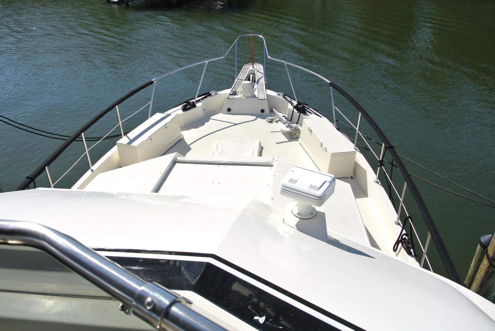 Hatteras-67 Cockpit Motor Yacht 1988-Lady Encore Saint Petersburg-Florida-United States-Bow-926179 | Thumbnail