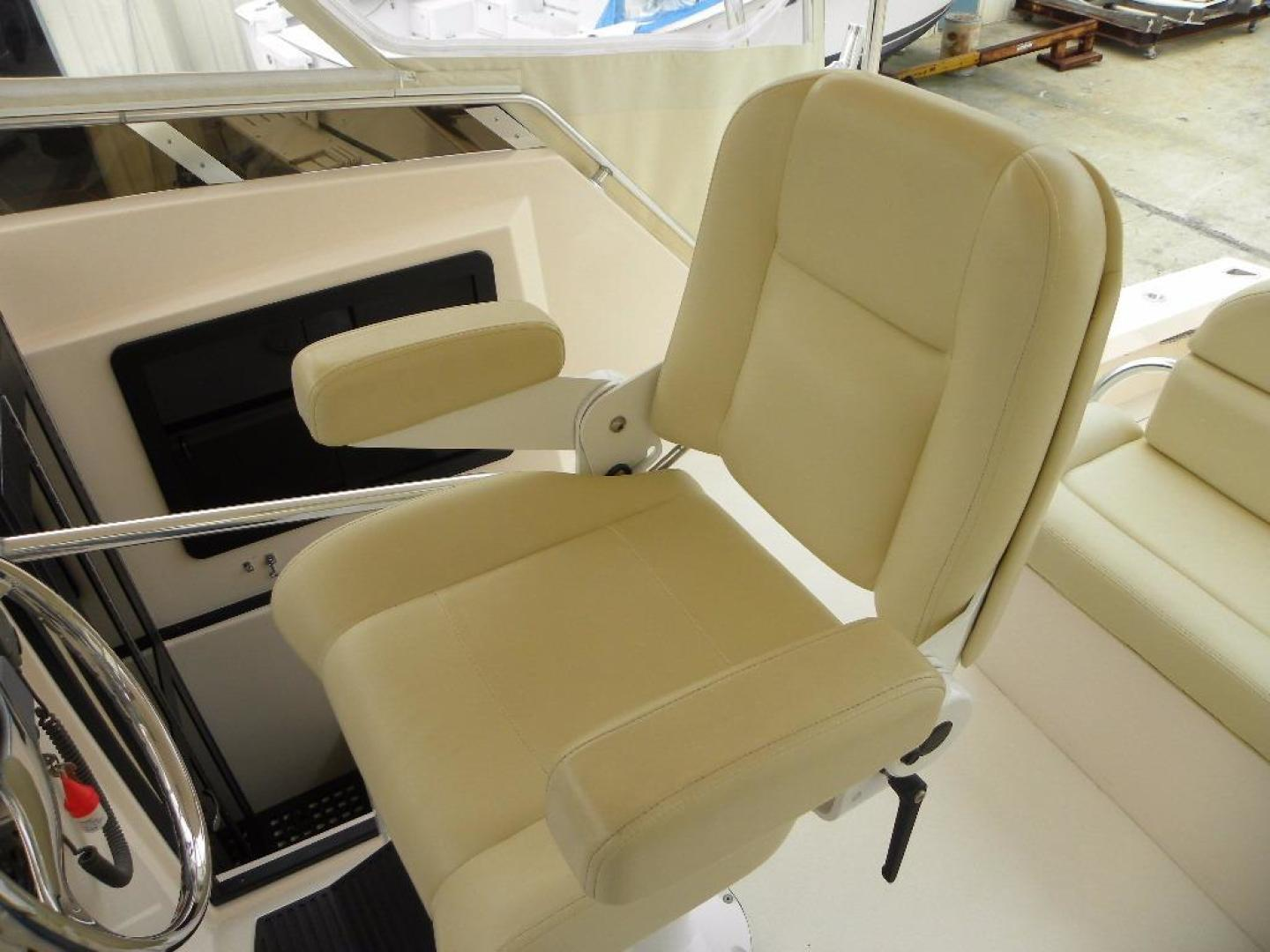 Delta Boat Company-36 SFX 2006-BroFish Cape Canaveral-Florida-United States-Helm Seat-925476 | Thumbnail