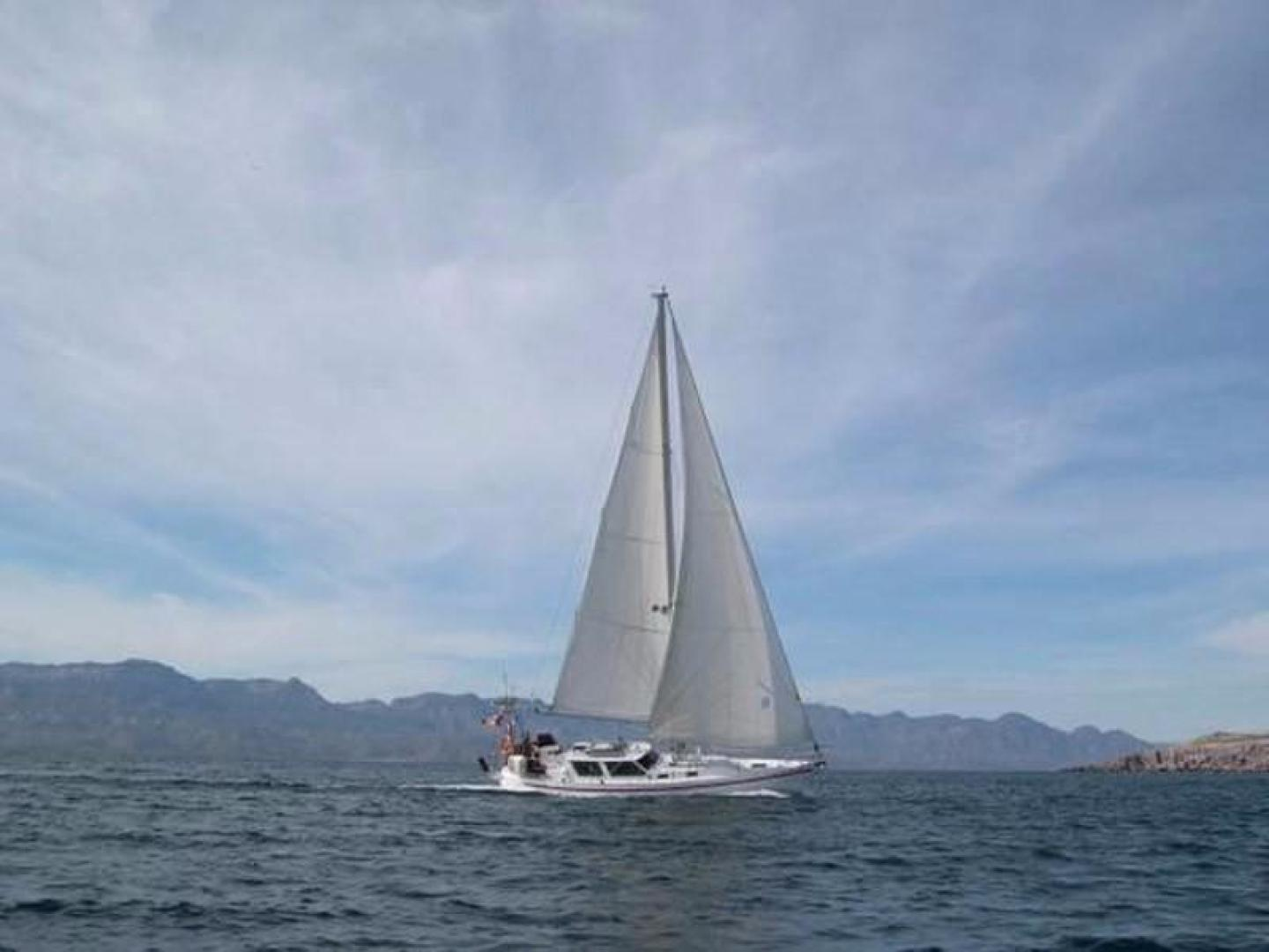 Crescent-Sloop 1992-Kattegat San Carlos-Mexico-Underway-386833 | Thumbnail