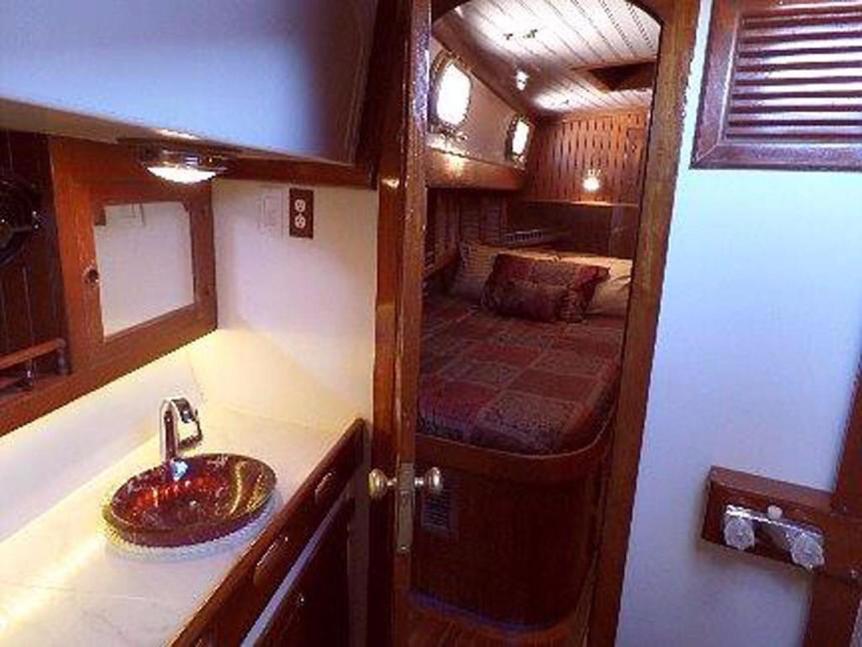 Formosa-Horizon Ketch 1981-Lady Christina Kemah-Texas-United States-Starboard Cabin Head-389522 | Thumbnail