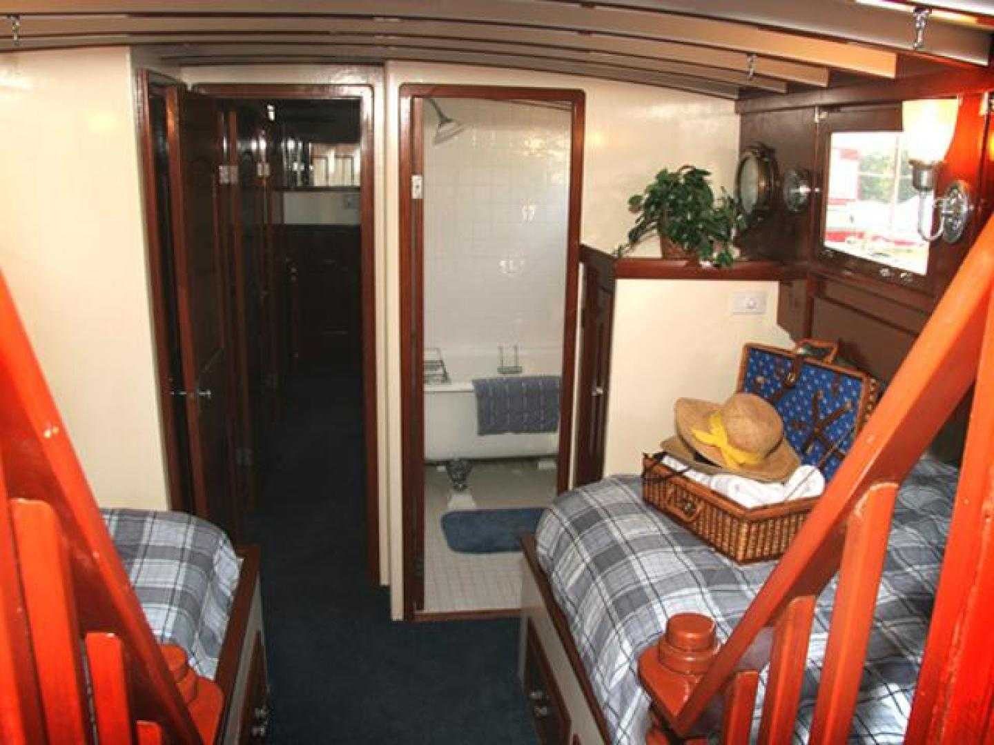 Custom-75 Commuter Yacht 1928-Cigarette Brick-New Jersey-United States-Master Stateroom-1015571 | Thumbnail