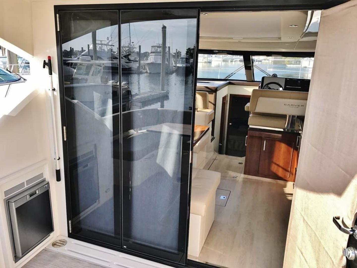 Carver-C37 Coupe 2016-DABDOUB Falmouth-Massachusetts-United States-Cockpit Refrigerator/Accordion Salon Door-135479 | Thumbnail