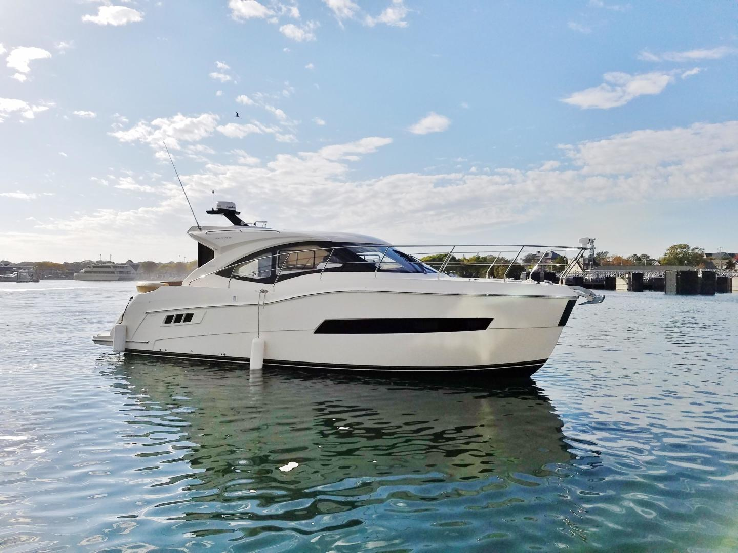 Carver-C37 Coupe 2016-DABDOUB Falmouth-Massachusetts-United States-Starboard Profile-135473 | Thumbnail