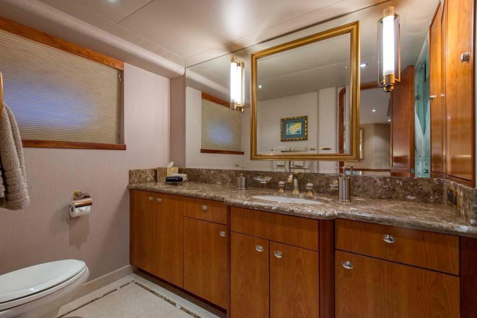 Westport-Tri-Deck 2003-Vision Jupiter-Florida-United States-VIP Starboard Head-370669 | Thumbnail