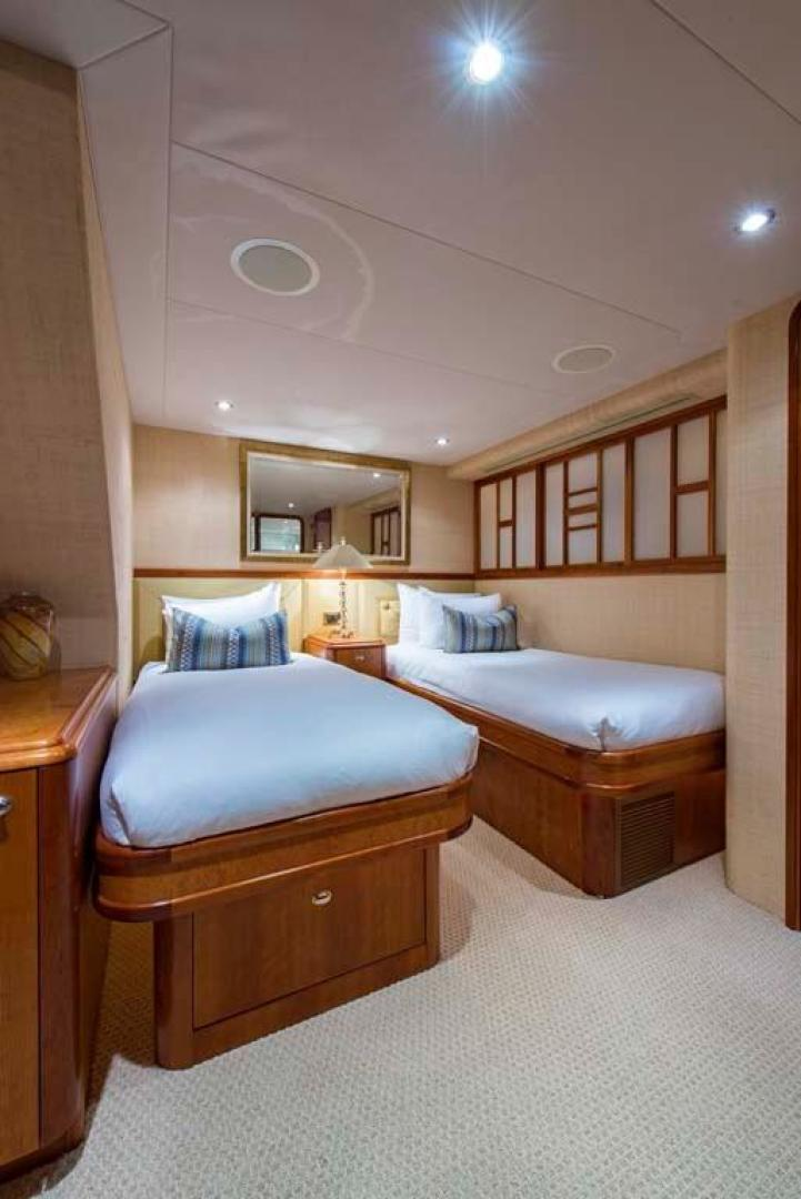Westport-Tri-Deck 2003-Vision Jupiter-Florida-United States-Starboard Guest Statroom-370678 | Thumbnail