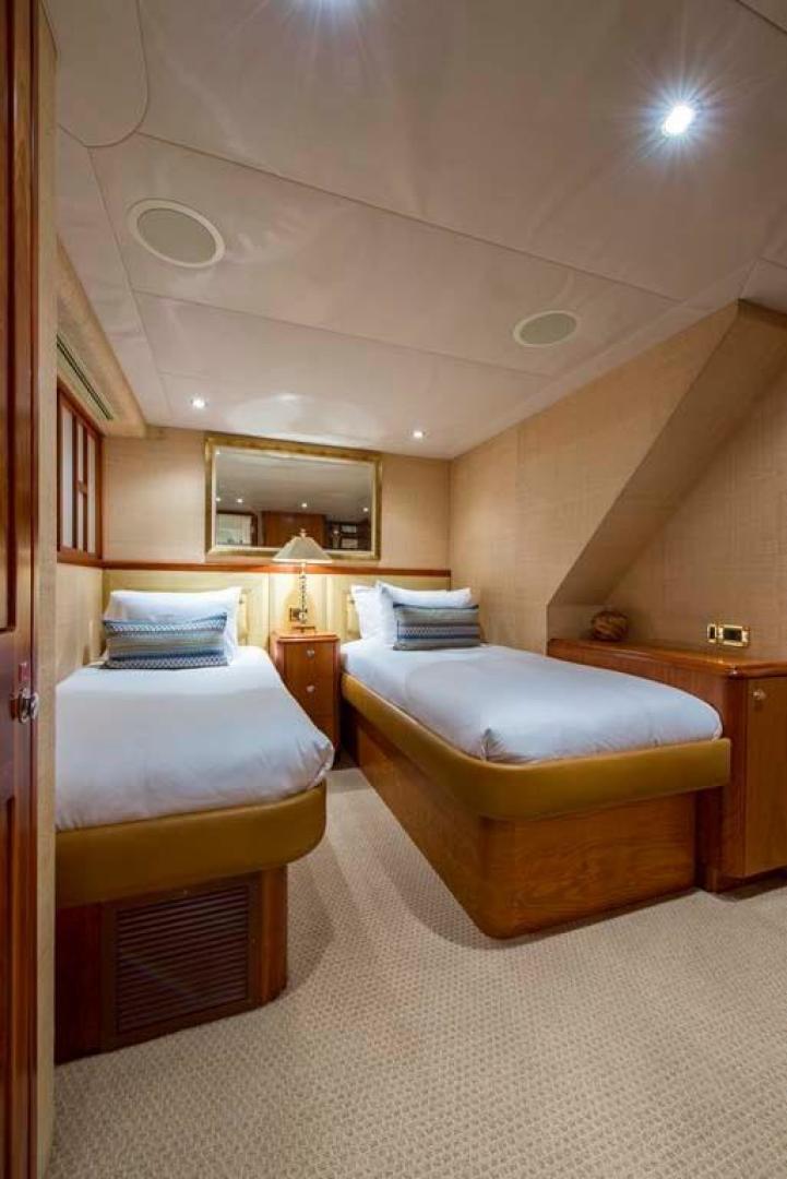 Westport-Tri-Deck 2003-Vision Jupiter-Florida-United States-Port Guest Stateroom-370674 | Thumbnail