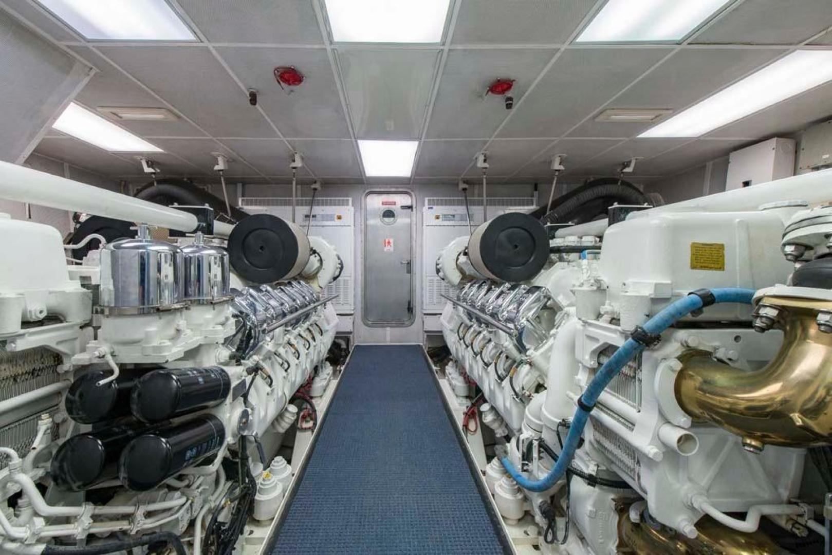 Westport-Tri-Deck-2003-Vision-Jupiter-Florida-United-States-Engine-Room-370750