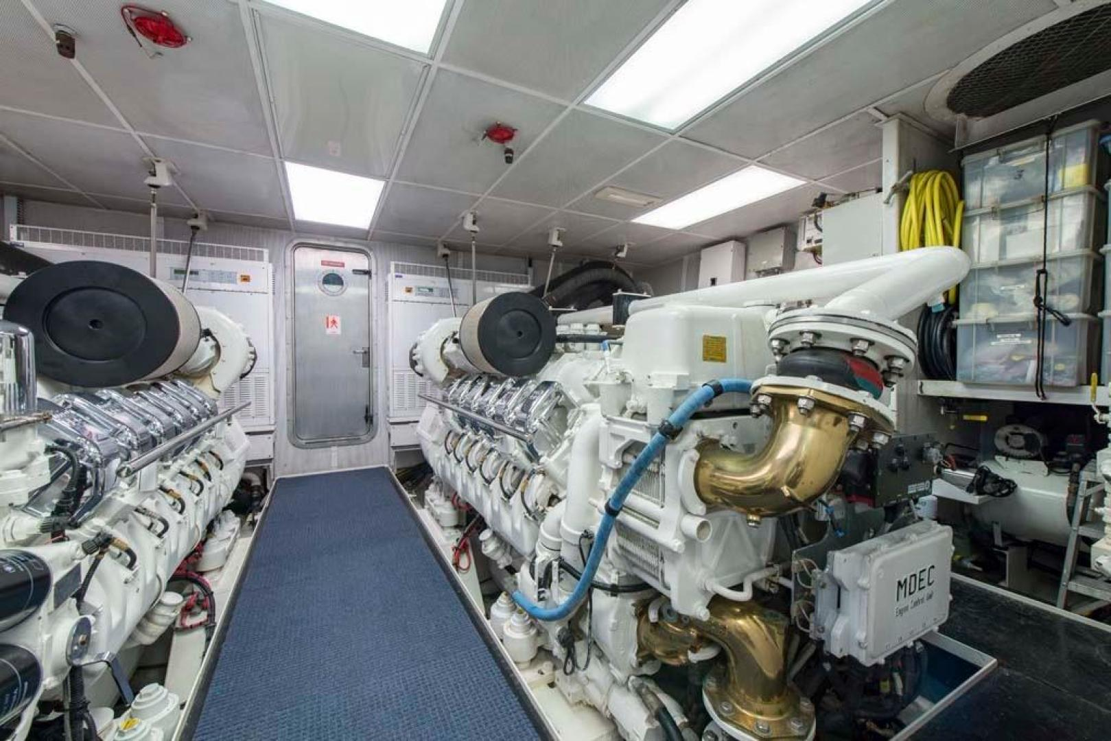 Westport-Tri-Deck-2003-Vision-Jupiter-Florida-United-States-Engine-Room-370752
