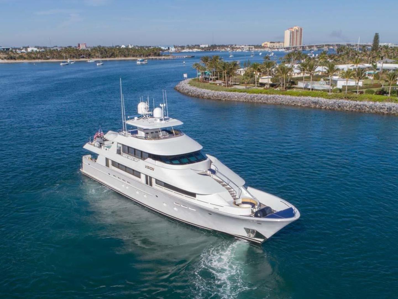 Westport-Tri-Deck 2003-Vision Jupiter-Florida-United States-Starboard Bow View-370611 | Thumbnail