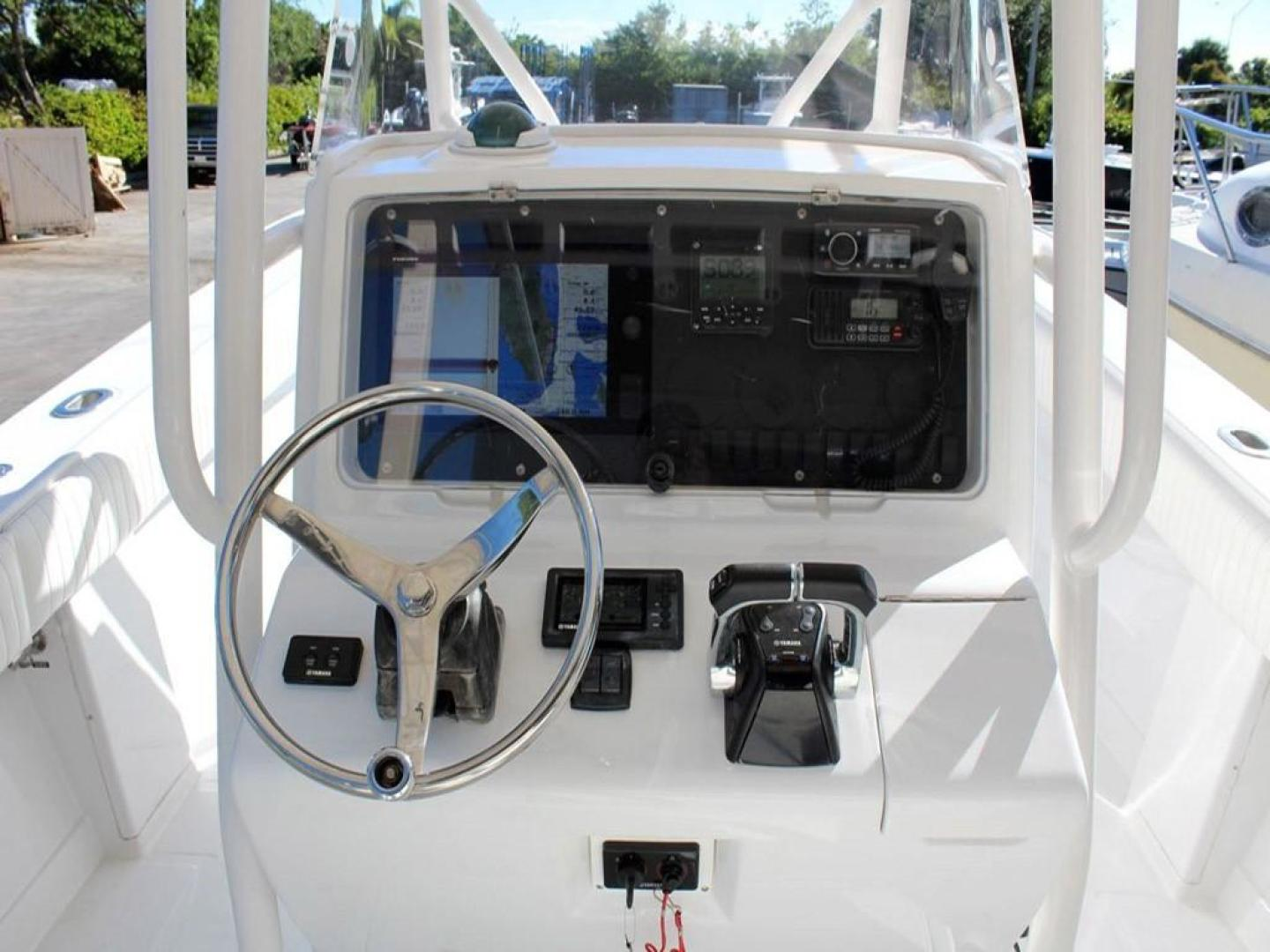 Jupiter-31 Center Console 2005-Lucky Duck Boynton Beach-Florida-United States-Helm Station-279134 | Thumbnail