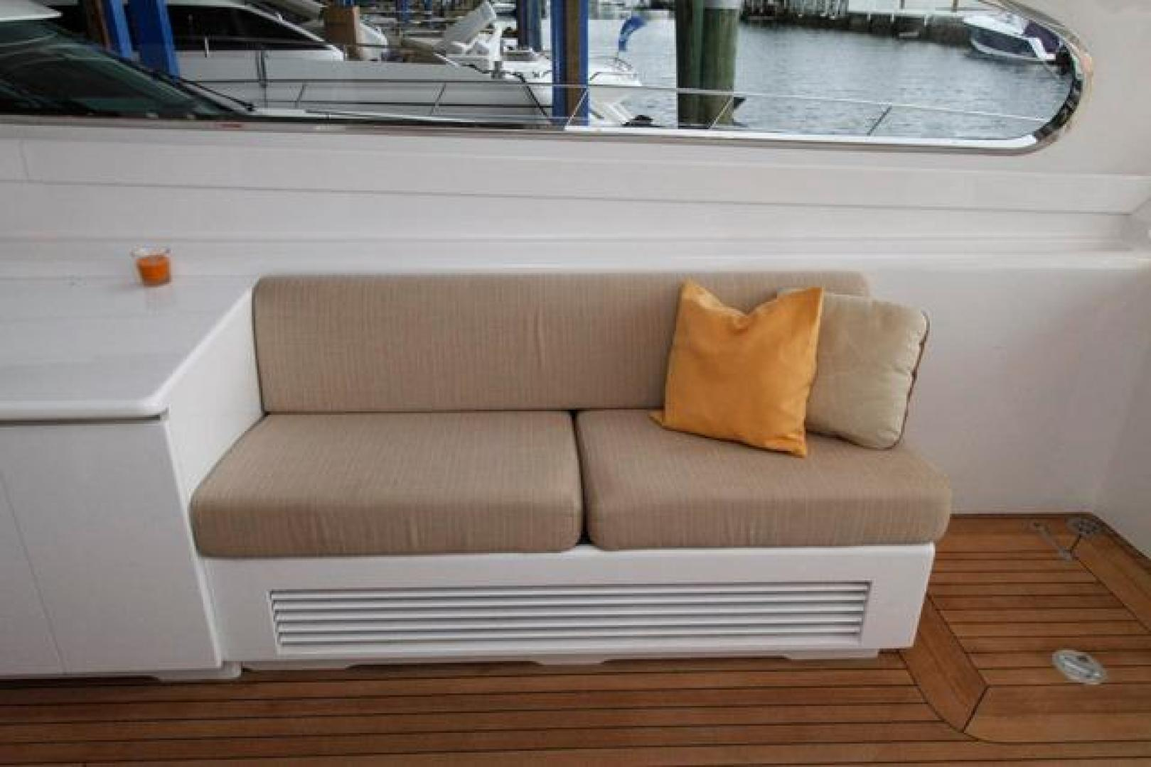 Leopard-Express-Motor-Yacht-2007-Happy-One-Miami-Florida-United-States-Salon-Starboard-923711