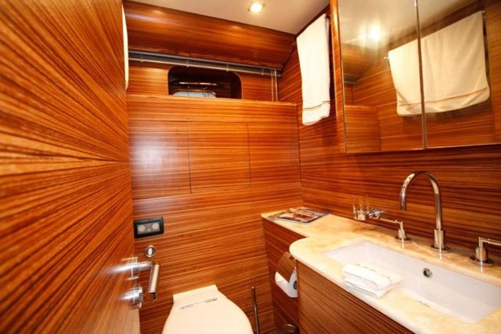 Leopard-Express-Motor-Yacht-2007-Happy-One-Miami-Florida-United-States-Master-Head-923721