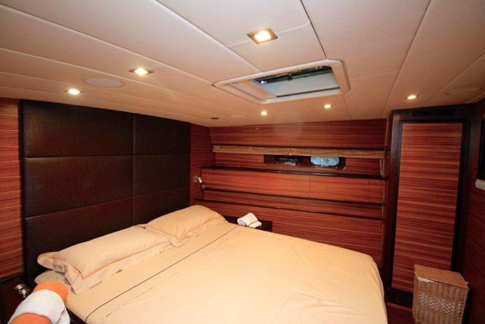Leopard-Express-Motor-Yacht-2007-Happy-One-Miami-Florida-United-States-Master-Stateroom-923717