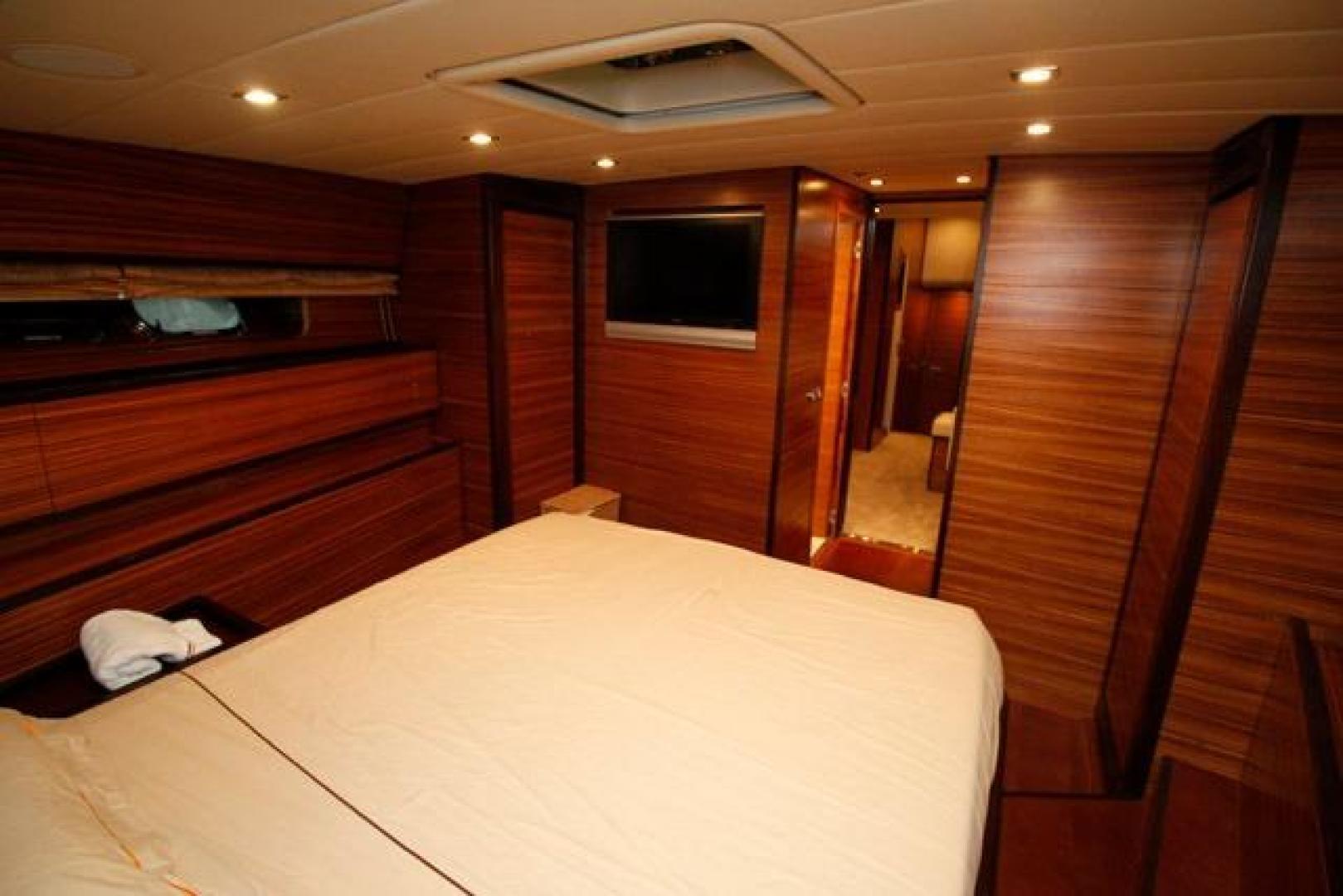 Leopard-Express-Motor-Yacht-2007-Happy-One-Miami-Florida-United-States-Master-Stateroom-923718
