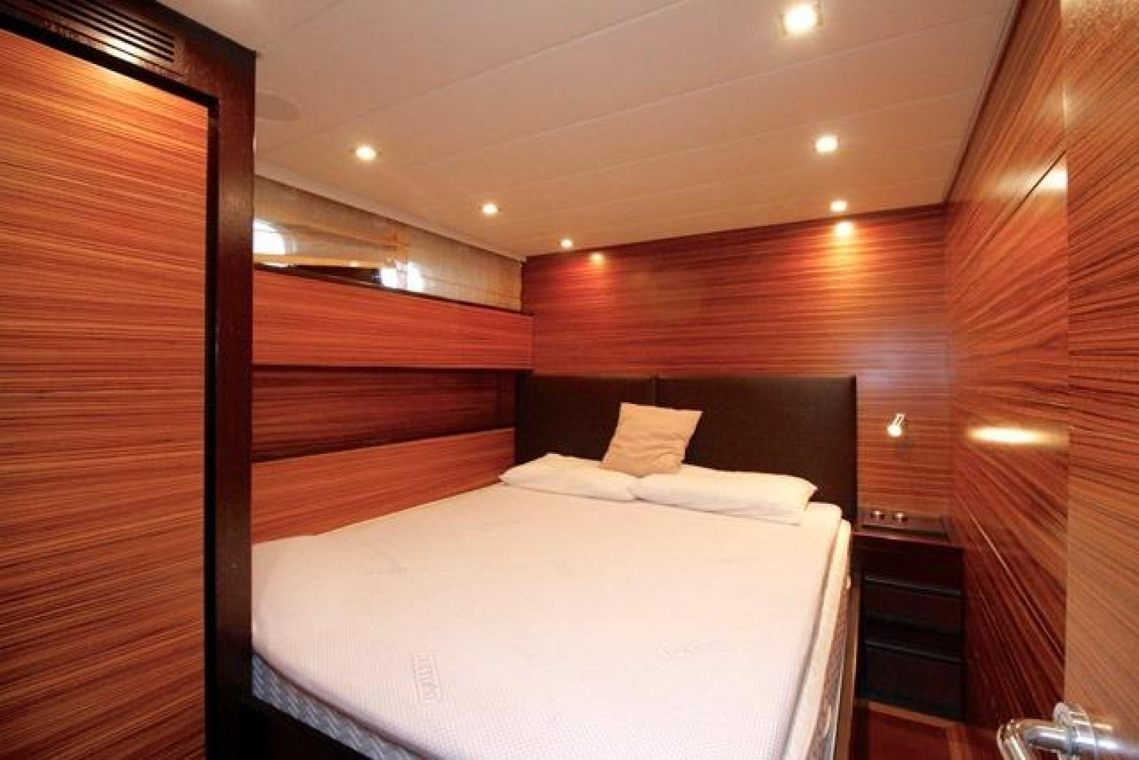 Leopard-Express-Motor-Yacht-2007-Happy-One-Miami-Florida-United-States-VIP-Stateroom-923722