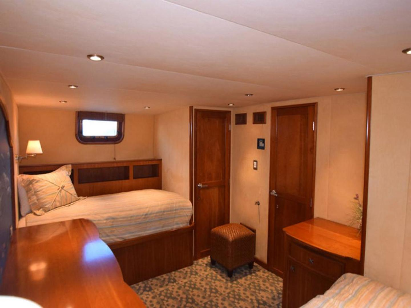 Burger-Raised Pilothouse 1958-Diane Ft. Lauderdale-Florida-United States-Twin Aft Guest Cabin Closet View-369333 | Thumbnail