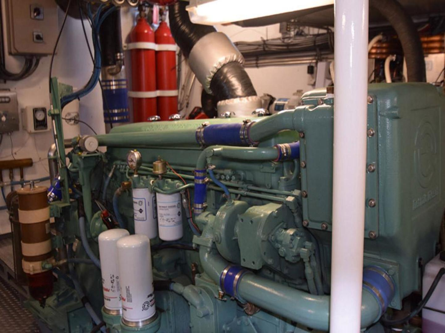 Burger-Raised Pilothouse 1958-Diane Ft. Lauderdale-Florida-United States-Detail Port Engine-369363 | Thumbnail