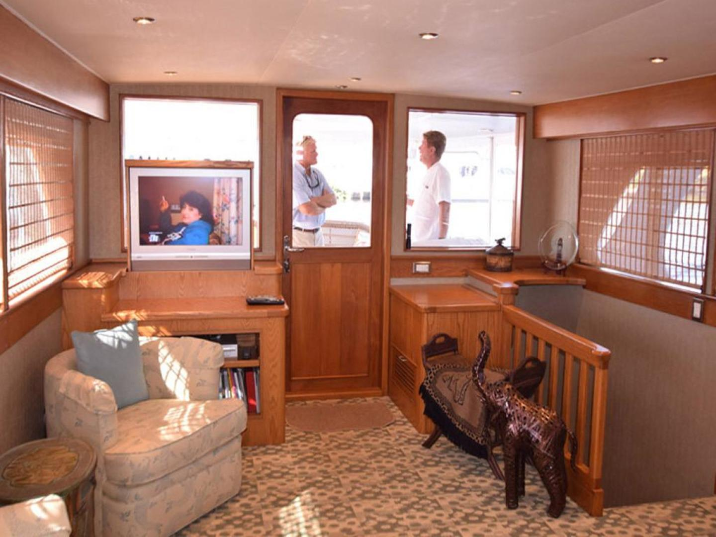 Burger-Raised Pilothouse 1958-Diane Ft. Lauderdale-Florida-United States-Main Salon with TV Up-369323 | Thumbnail