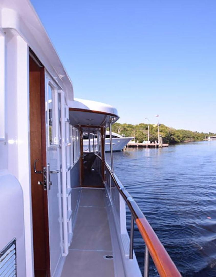 Burger-Raised Pilothouse 1958-Diane Ft. Lauderdale-Florida-United States-Starboard View to Aft Deck-369382 | Thumbnail