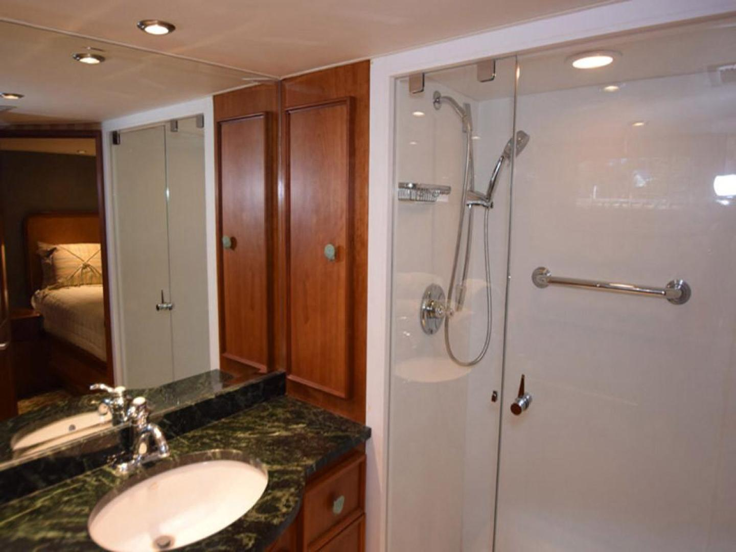 Burger-Raised Pilothouse 1958-Diane Ft. Lauderdale-Florida-United States-Main Stateroom Head Detail-369328 | Thumbnail