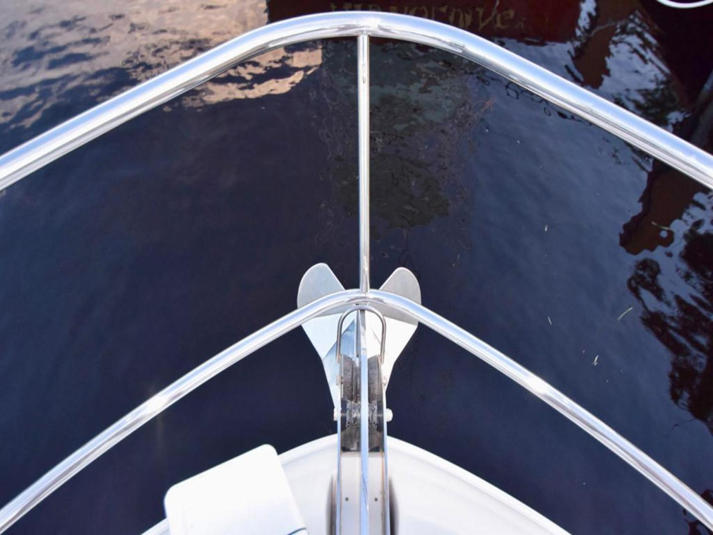Sea Ray-550 Sedan Bridge 2005-March Madness Pompano Beach-Florida-United States-Bow Rail with Anchor-277868 | Thumbnail