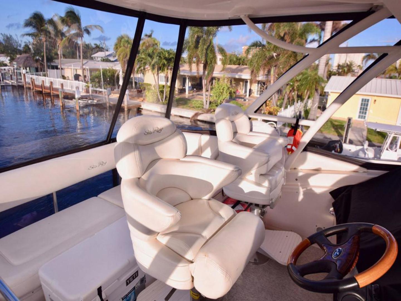 Sea Ray-550 Sedan Bridge 2005-March Madness Pompano Beach-Florida-United States-Flybridge Captains Chair-277893 | Thumbnail