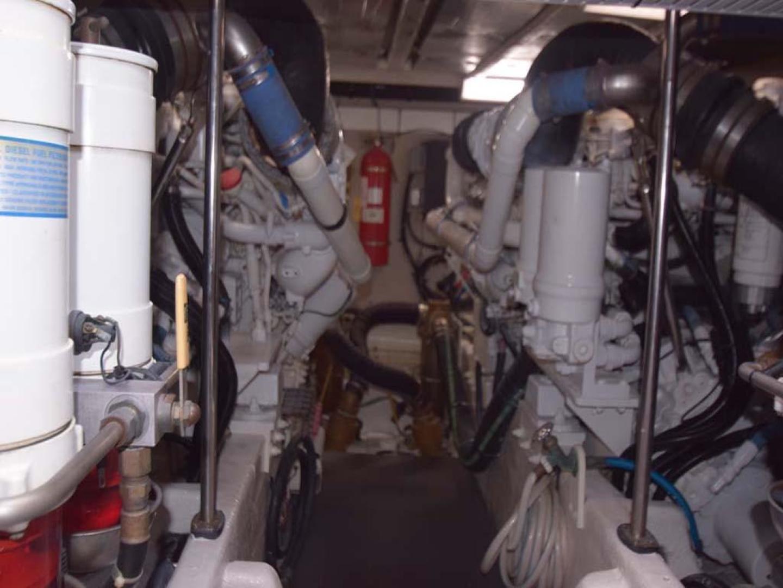 Sea Ray-550 Sedan Bridge 2005-March Madness Pompano Beach-Florida-United States-Engine Room-277919 | Thumbnail