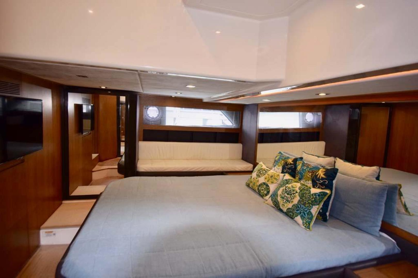 Azimut-48 ATLANTIS 2013-Spectrum Miami-Florida-United States-Owners Quarters with Stbd. Side Settee-369686 | Thumbnail