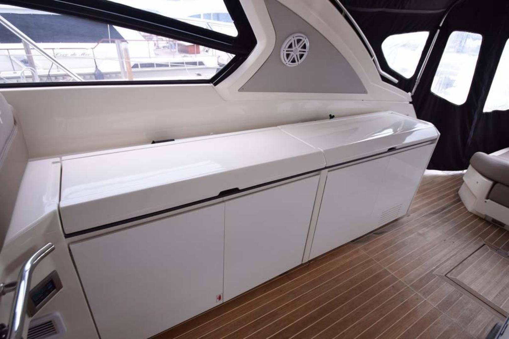 Azimut-48 ATLANTIS 2013-Spectrum Miami-Florida-United States-Starboard Side Wet Bar with Cover-369662 | Thumbnail