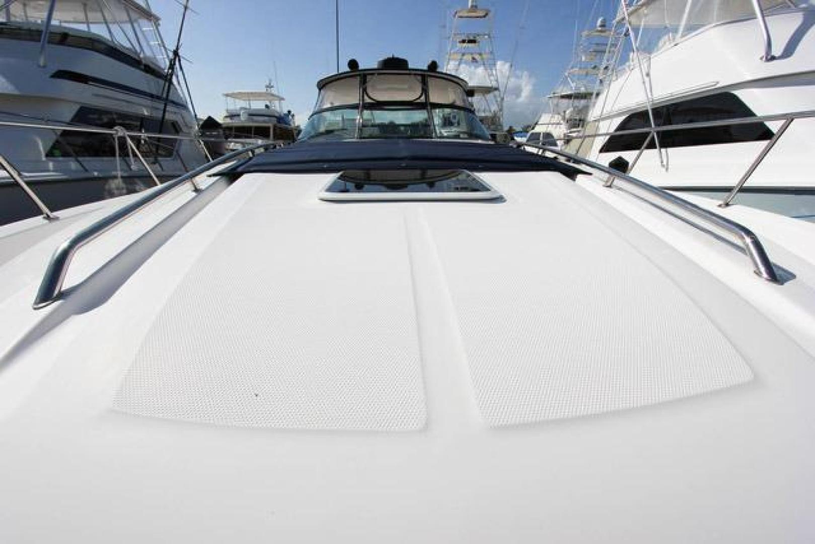Sea Ray-460 Sundancer 2002 -Miami-Florida-United States-Foredeck Looking Aft-368476 | Thumbnail