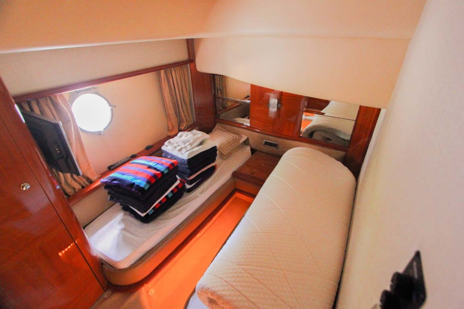 Azimut-62 Flybridge 2007-ICONIC SEA E O Miami-Florida-United States-Two Single Beds Guest Room-1177907 | Thumbnail
