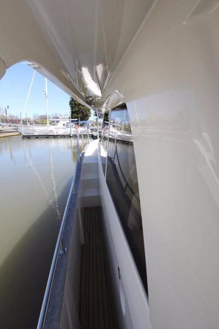 Greenline-33 300 2014-Inspiration Annapolis-Maryland-United States-Portside Looking Fwd-923158 | Thumbnail