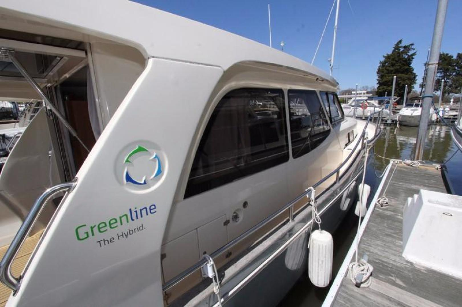 Greenline-33 300 2014-Inspiration Annapolis-Maryland-United States-Stbd Side Detail-923119 | Thumbnail