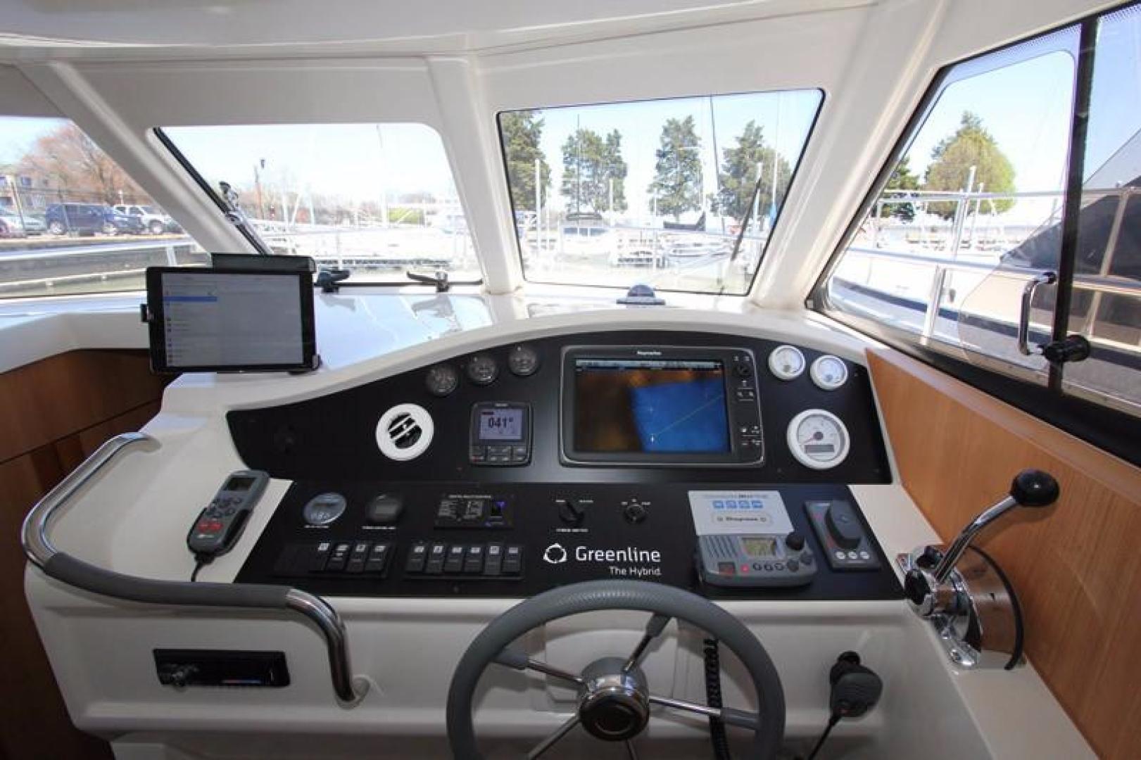 Greenline-33 300 2014-Inspiration Annapolis-Maryland-United States-Helm-923127 | Thumbnail