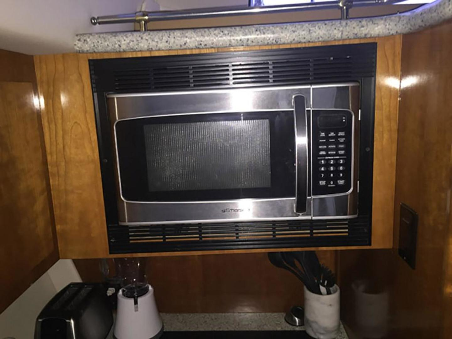 Carver-466 Motor Yacht 2001-Rollin in the Tides Pensacola-Florida-United States-Galley Microwave-377488 | Thumbnail