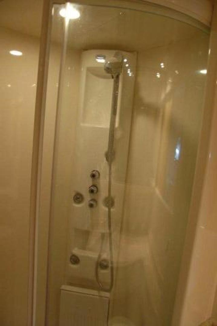 Azimut-Sea Jet 2000-Confidential Lady Orange Beach-Alabama-United States-Guest Port Shower Stall-376563 | Thumbnail