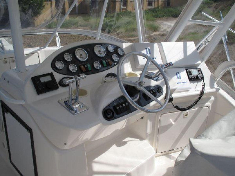 Riviera-Flybridge-2004-No-Name-Curacao-Netherlands-Antilles-(NL)-Helm-924162