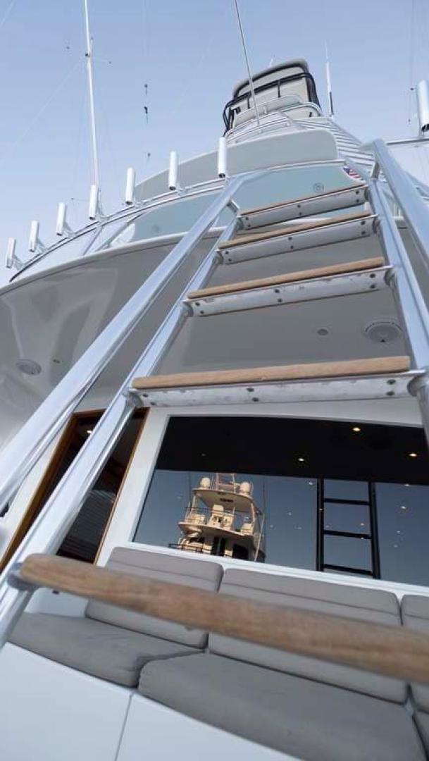 Jim-Smith-Custom-Convertible-Sportfish-2006-Silky-Palm-Beach-Florida-United-States-Steps-to-Flybridge-924607