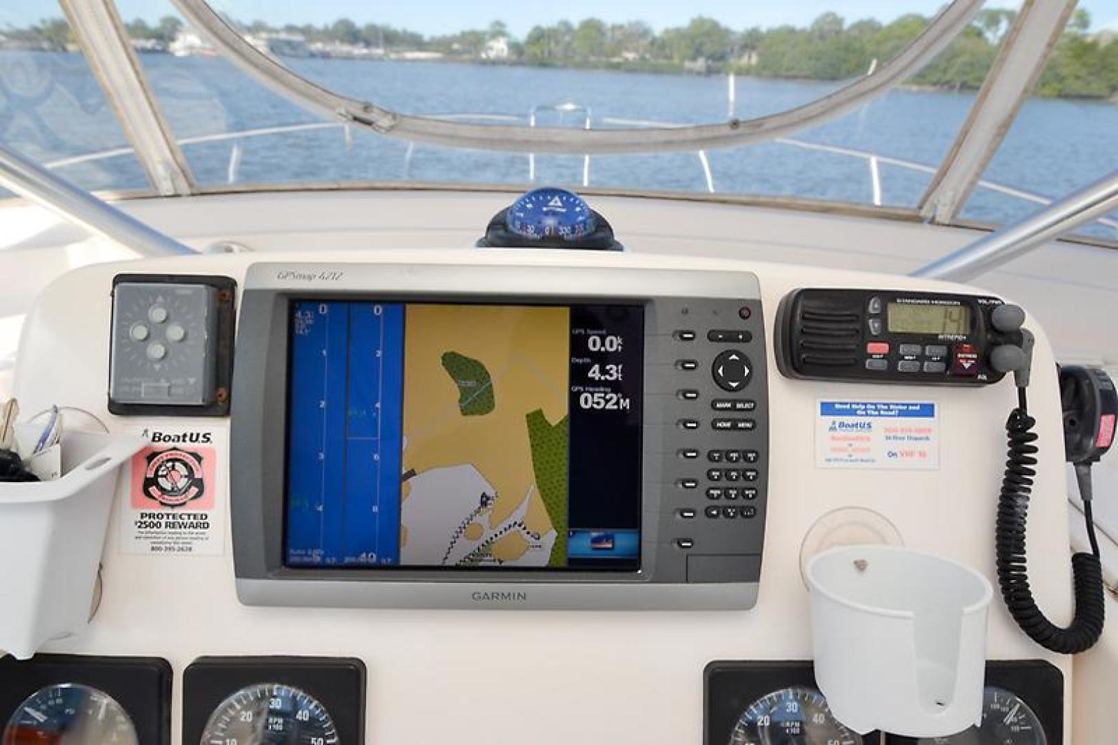 2003 Pursuit 3000 Offshore-30.jpg