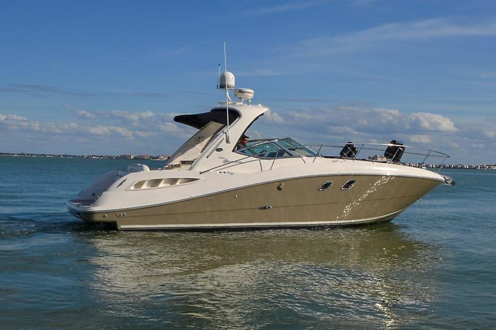 2008 Sea Ray 330 DA Profile-11.jpg