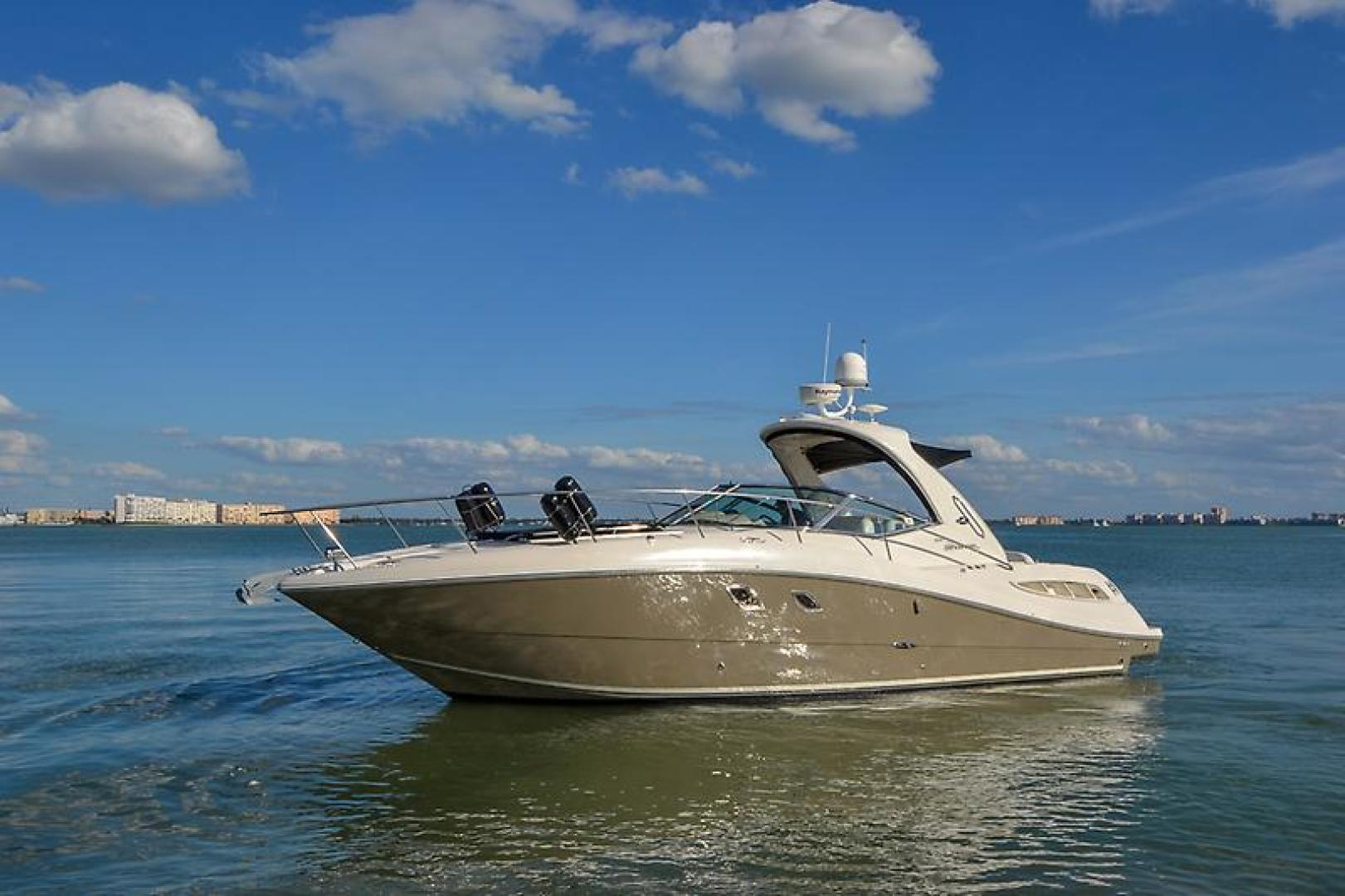 2008 Sea Ray 330 DA Profile-23.jpg