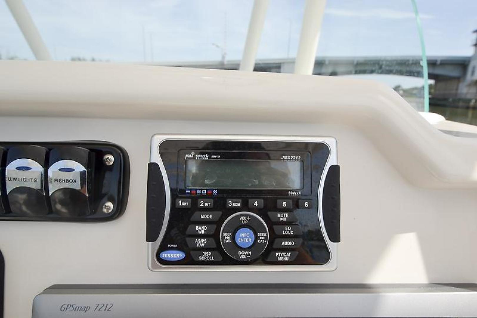 2014 Sailfish 320 cc-37.jpg