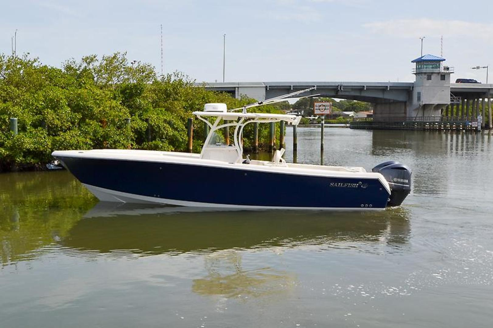 2014 Sailfish 320 cc-22.jpg